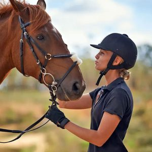 רוכבים מבוגרים מפיקים תועלת רגשית מהרכיבה והשהות בקרבת סוסים